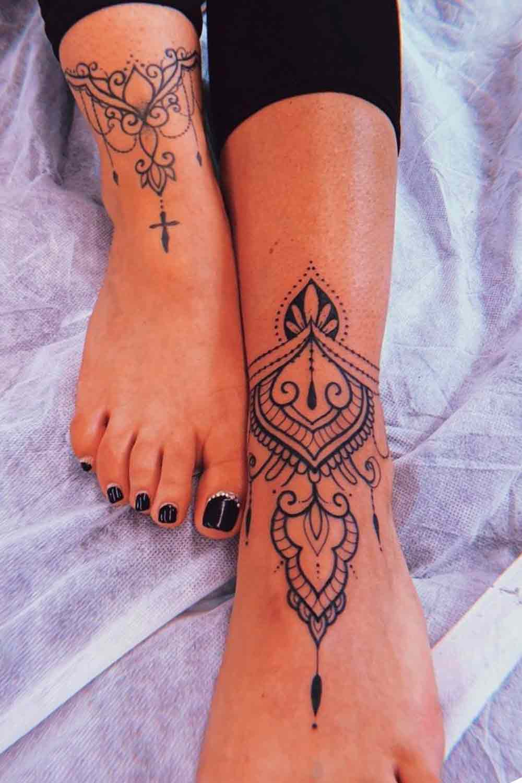 Tatuagens-femininas-nos-pes-4