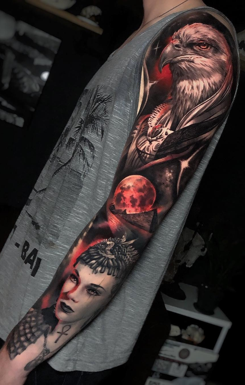 Braço-fechado-de-tatuagem-13