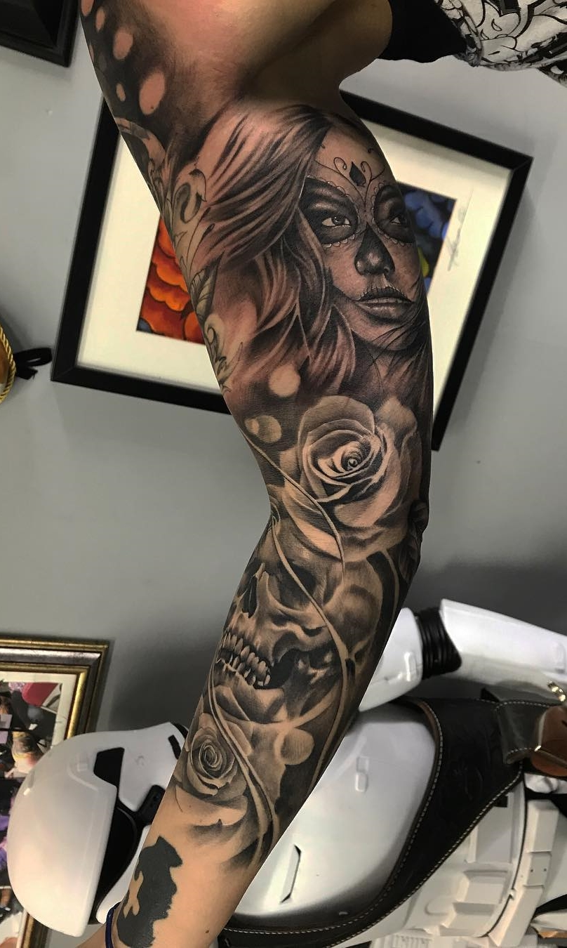 Braço-fechado-de-tatuagem-14