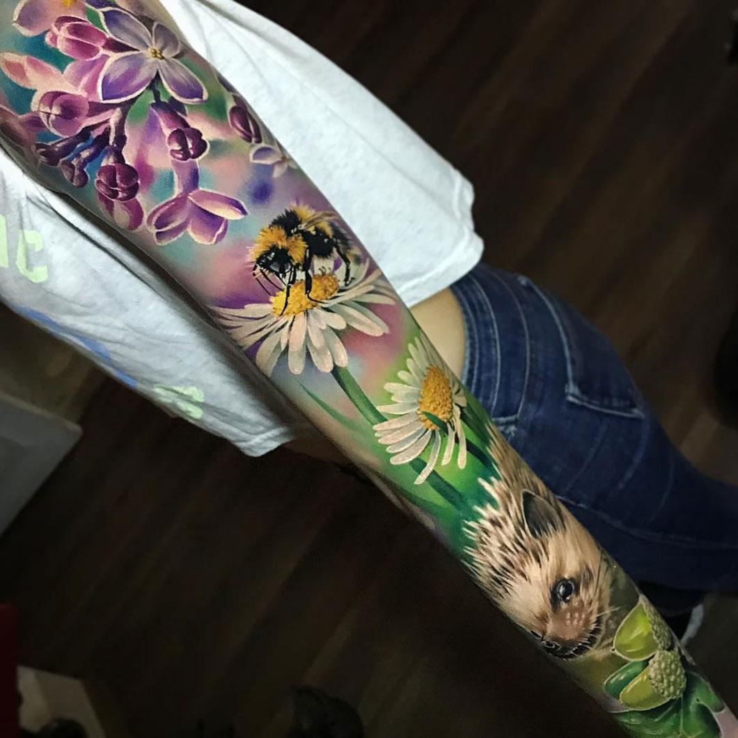 Tatuagem-de-braço-fechado-feminina-14