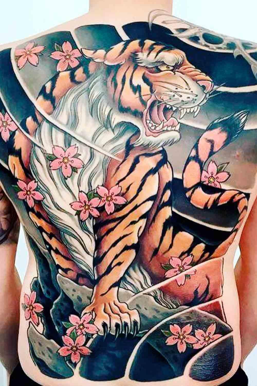 Tatuagens-masculina-nas-costas-1