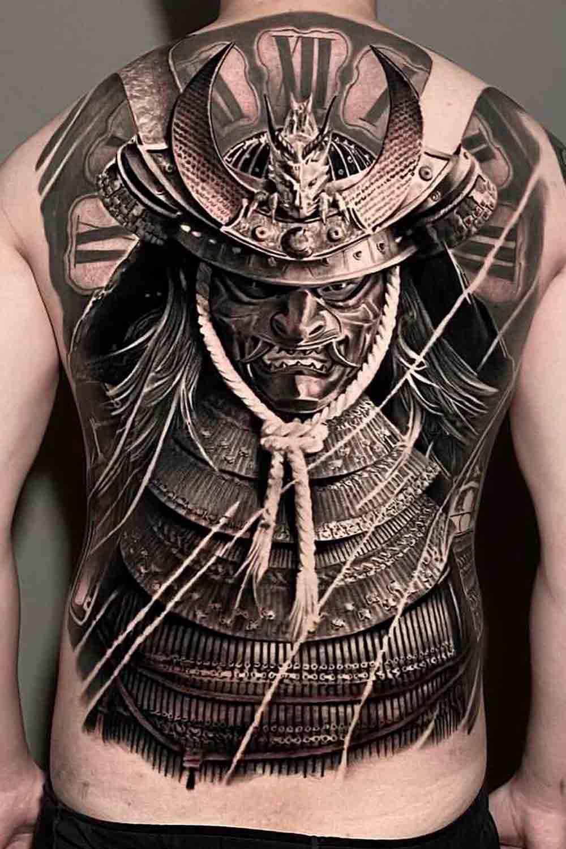 Tatuagens-masculina-nas-costas-13