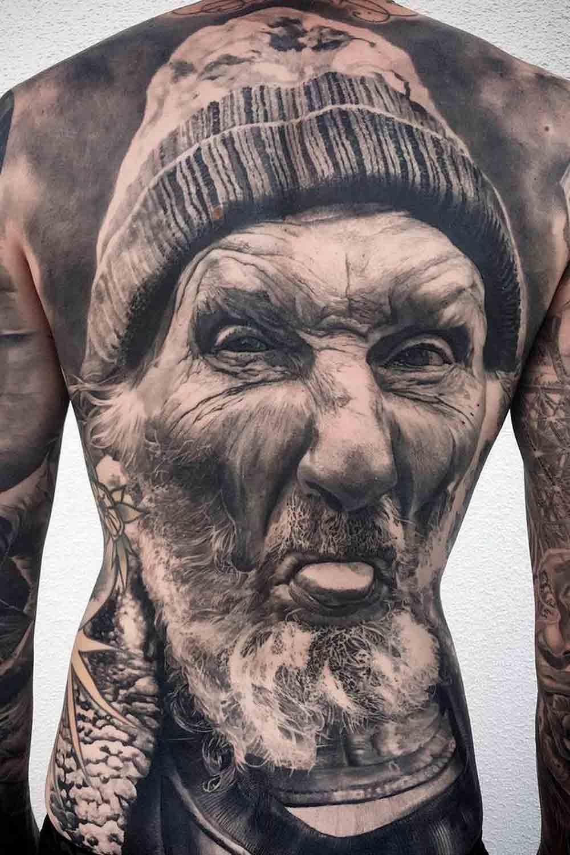 Tatuagens-masculina-nas-costas-5