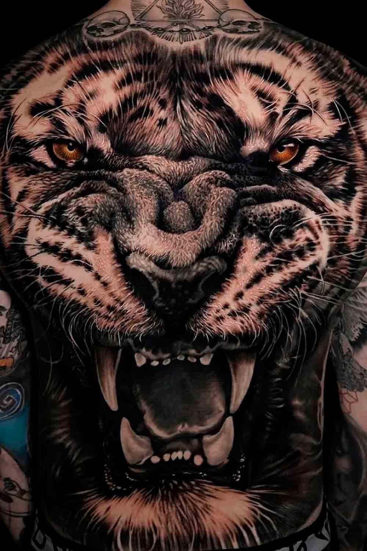 Tatuagens-masculina-nas-costas-7