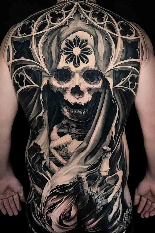 Tatuagens-masculina-nas-costas-8