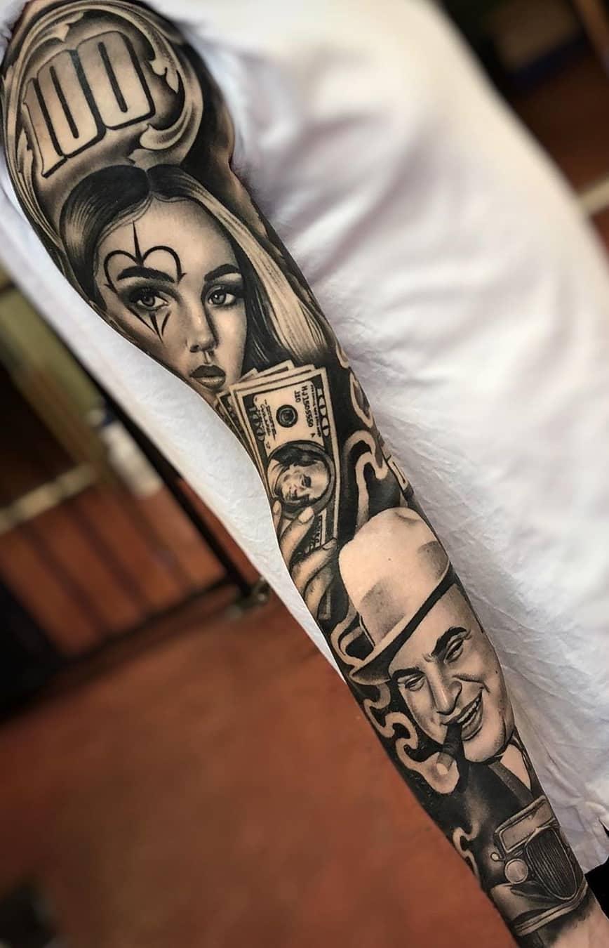 braço-masculino-fechado-de-tatuagem-de-dinheiro