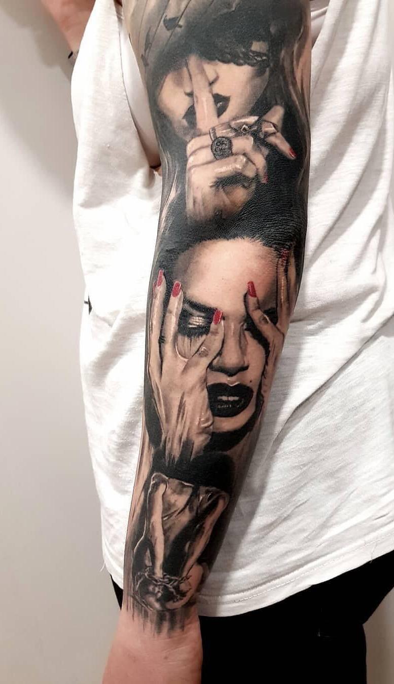 braços-masculinos-fechados-de-tatuagens-2