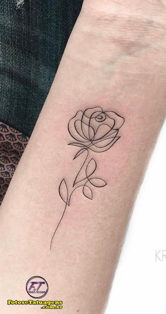 tatuagem-fine-line-de-rosa