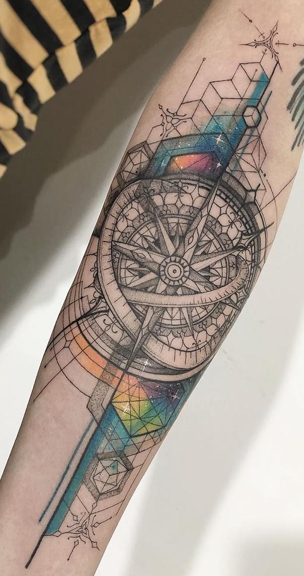 Tatuagem-de-rosa-dos-ventos-1