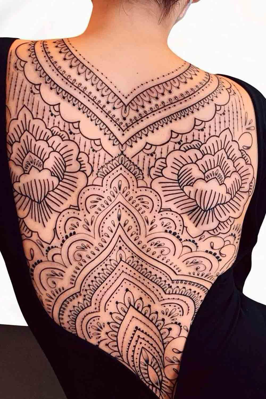 Tatuagens-femininas-nas-costas-3