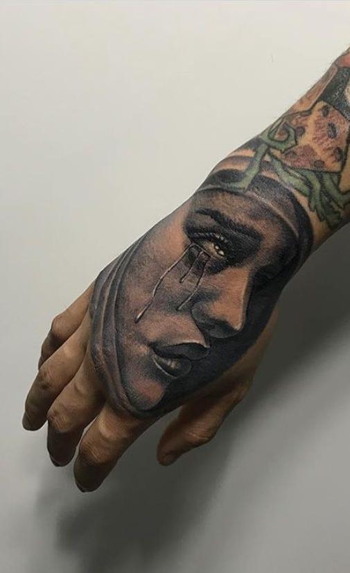 tattoo-nas-mãos-9
