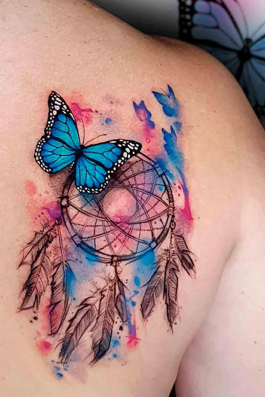 tatuagem-aquarela-de-borboleta-e-filtro-dos-sonhos