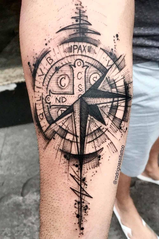 tatuagem-de-rosa-dos-ventos-no-antebraco