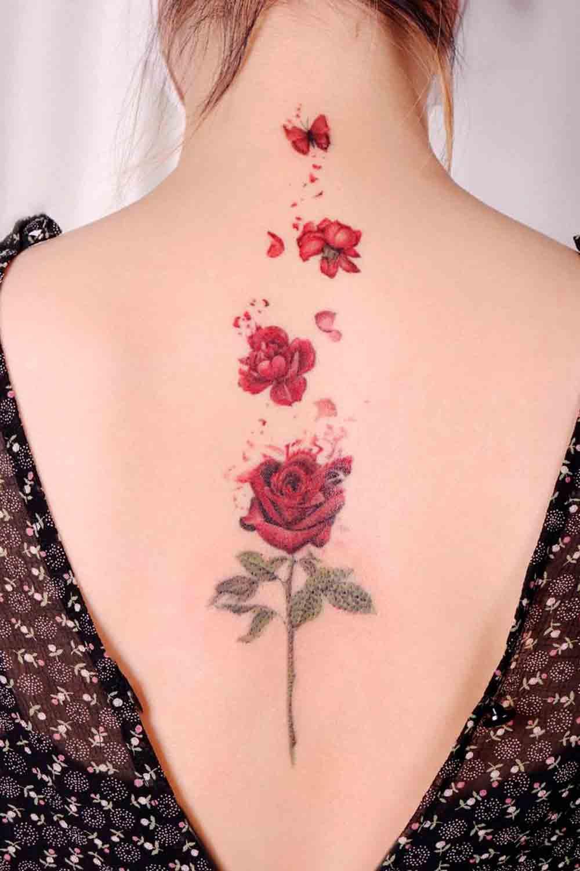 tatuagem-de-rosa-nas-costas