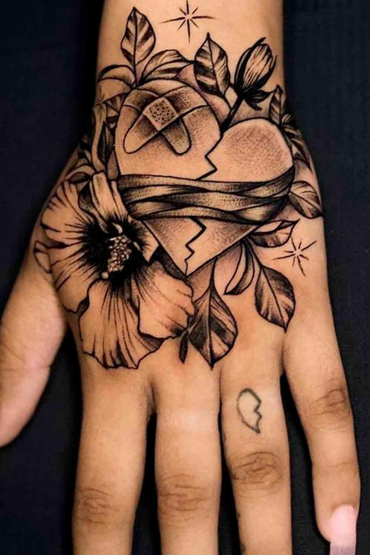 tatuagem-na-mao-feminina-1