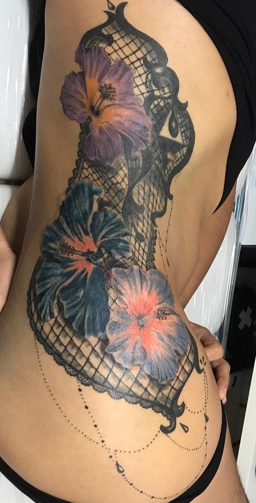 Fotos-de-tatuagens-femininas-na-costela-11