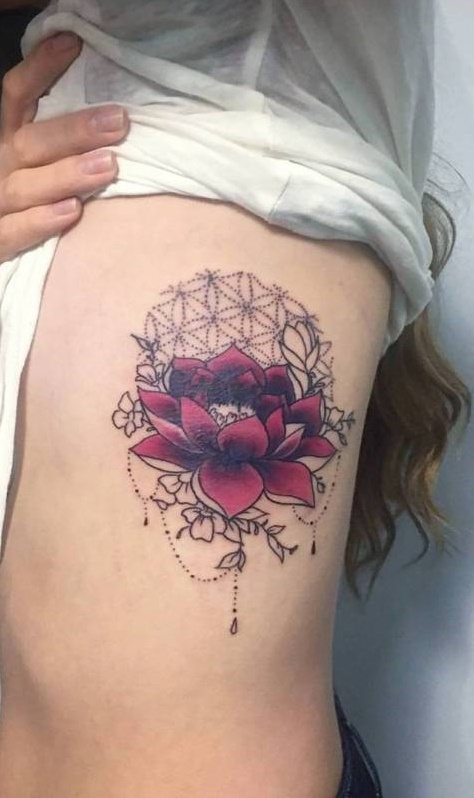 Fotos-de-tatuagens-femininas-na-costela-14