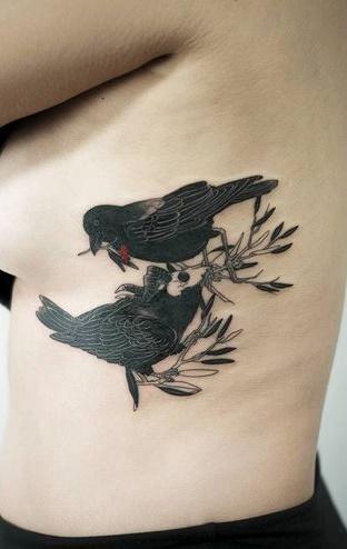 Fotos-de-tatuagens-femininas-na-costela-24
