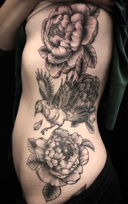Fotos-de-tatuagens-femininas-na-costela-31