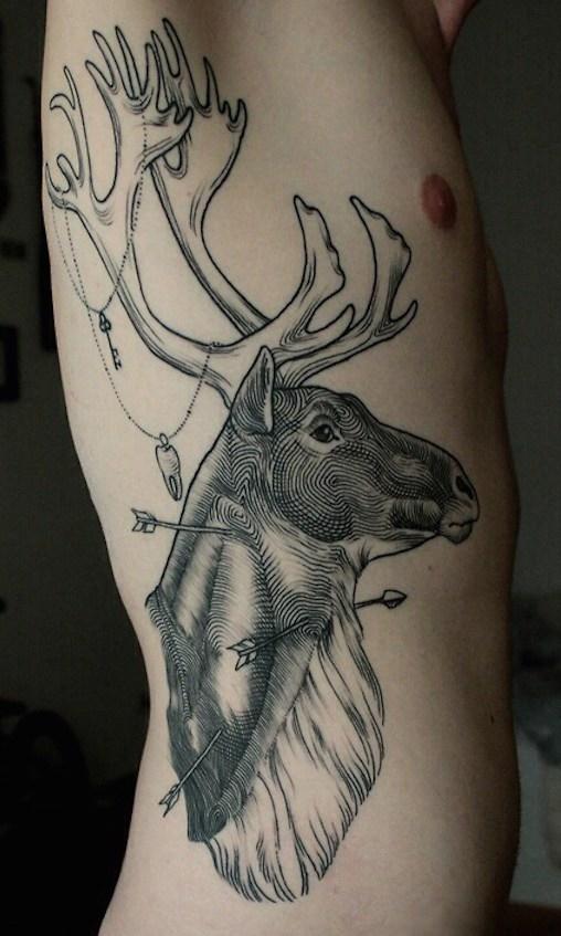 Tatuagem-masculina-na-costela-21
