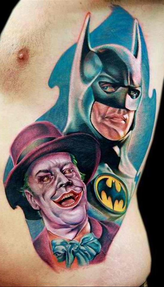 Tatuagem-masculina-na-costela-31