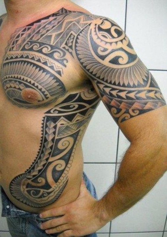 Tatuagem-masculina-na-costela-33
