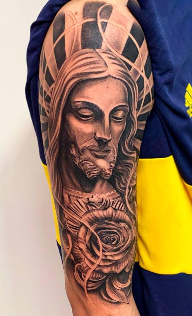 tatuagem-de-jesus-no-biceps