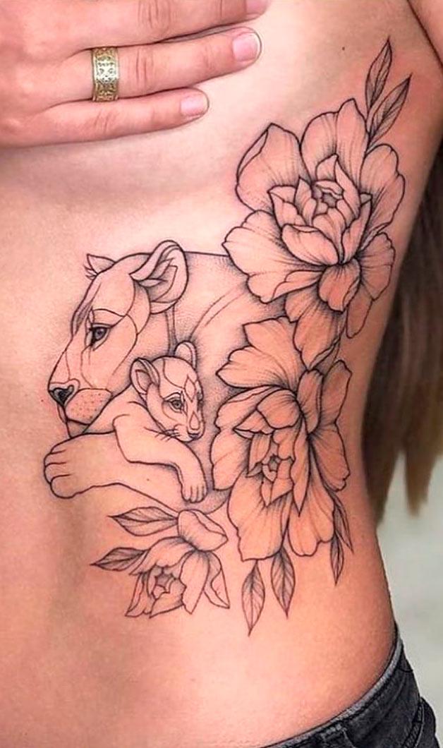tatuagem-feminina-de-leao-na-costela