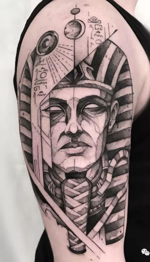 tatuagens-geometricas-masculinas-17