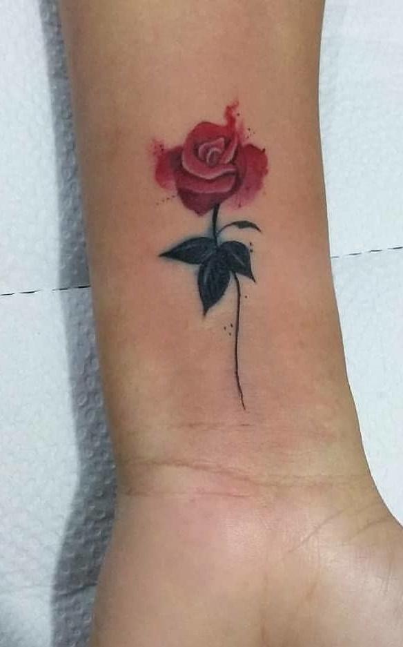 tatuagem-feminina-no-pulso-16