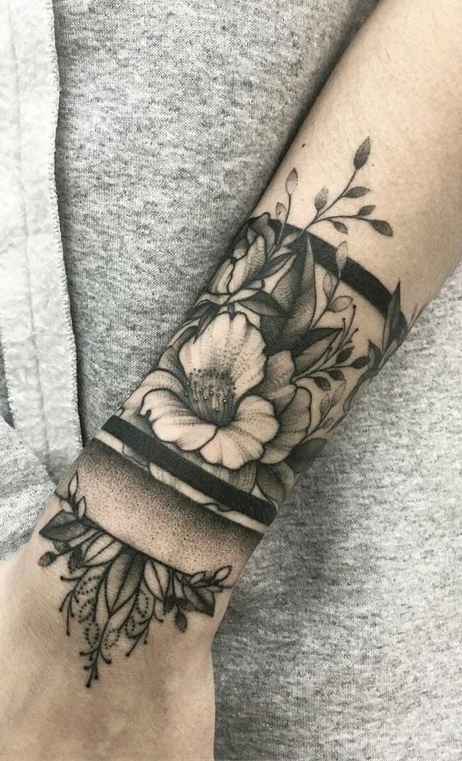tatuagem-feminina-no-pulso-20