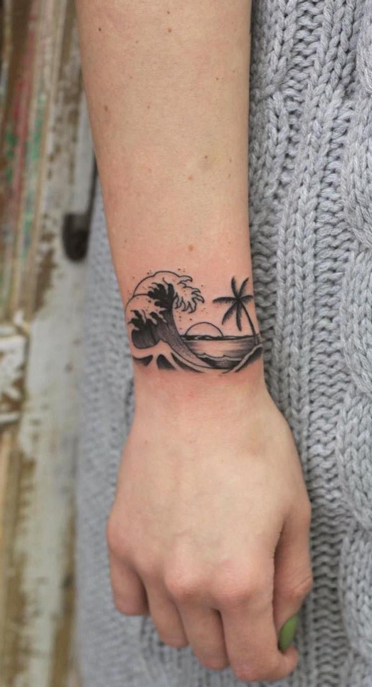 tatuagem-feminina-no-pulso-6