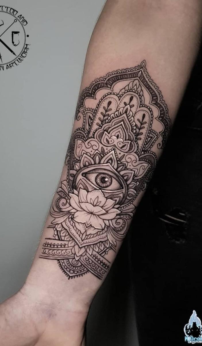 tatuagem-feminina-no-pulso-8
