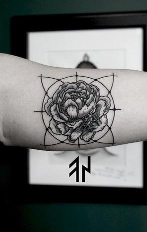 Tattoo-geometric-13