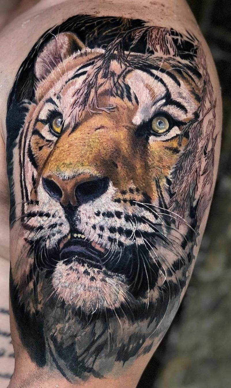 100 Tatuagens Masculinas Na Parte Superior Do Braco Fotos E