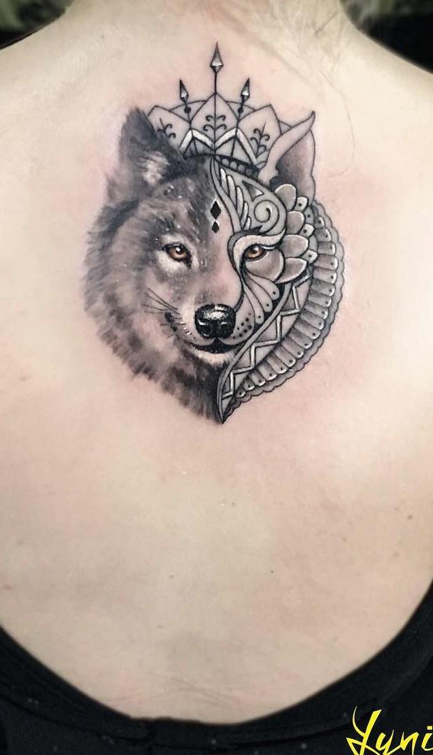 Tatuagens-femininas-nas-costas-12