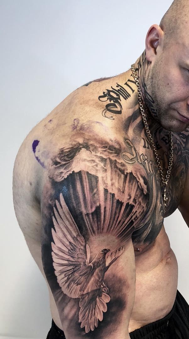 Tatuagens-na-parte-superior-do-braço-5