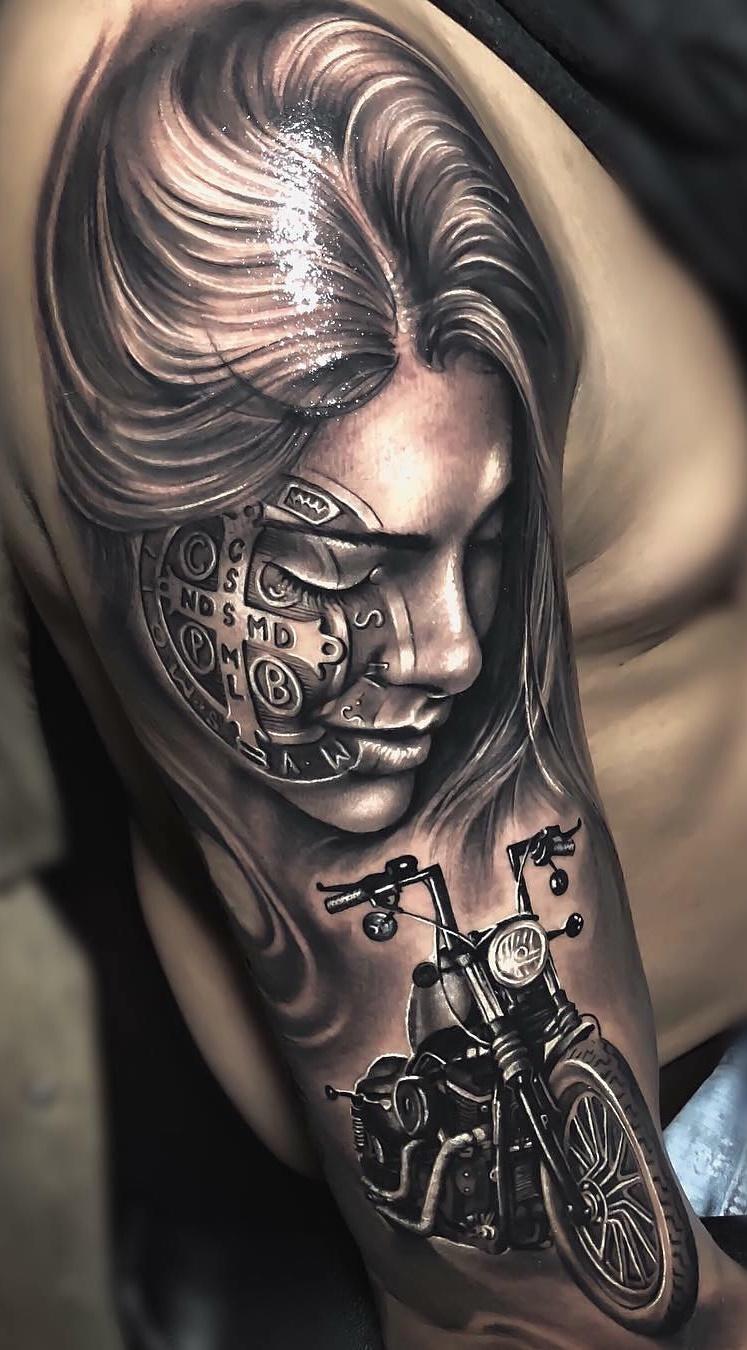 Tatuagens-na-parte-superior-do-braço-9