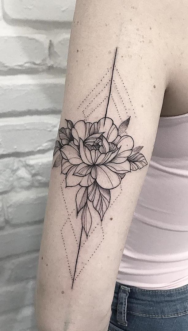 fotos-de-Tatuagens-geometricas-femininas-2