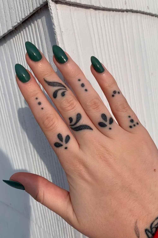 tatuagem-no-dedo-feminina-2