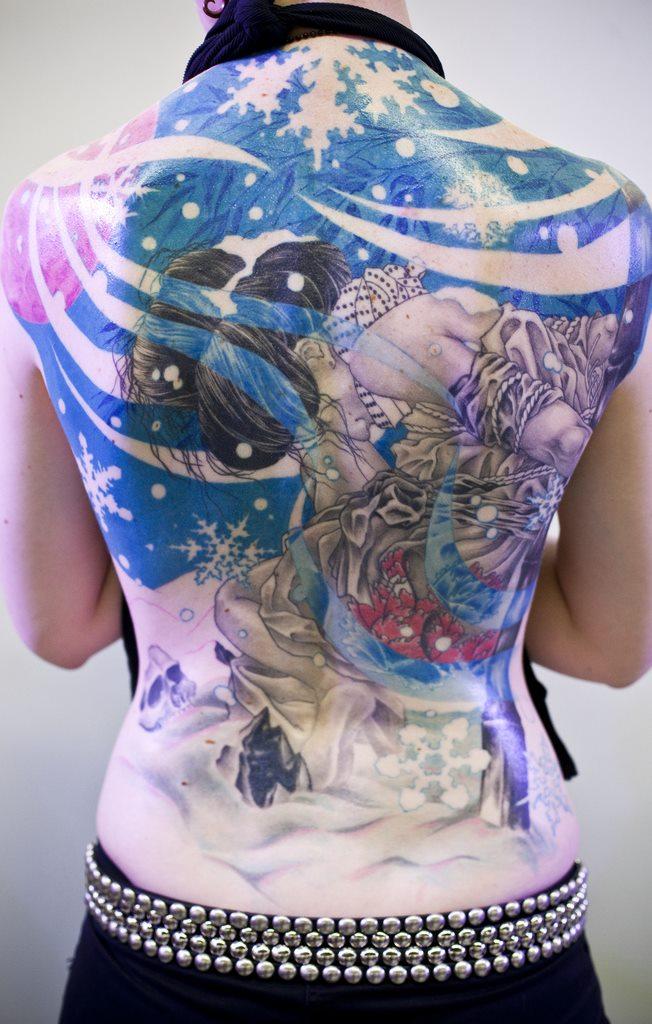 tatuagens-femininas-nas-costas-18