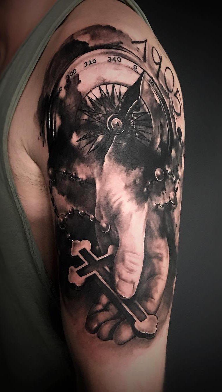 tatuagens-masculina-na-parte-superior-do-braço-18