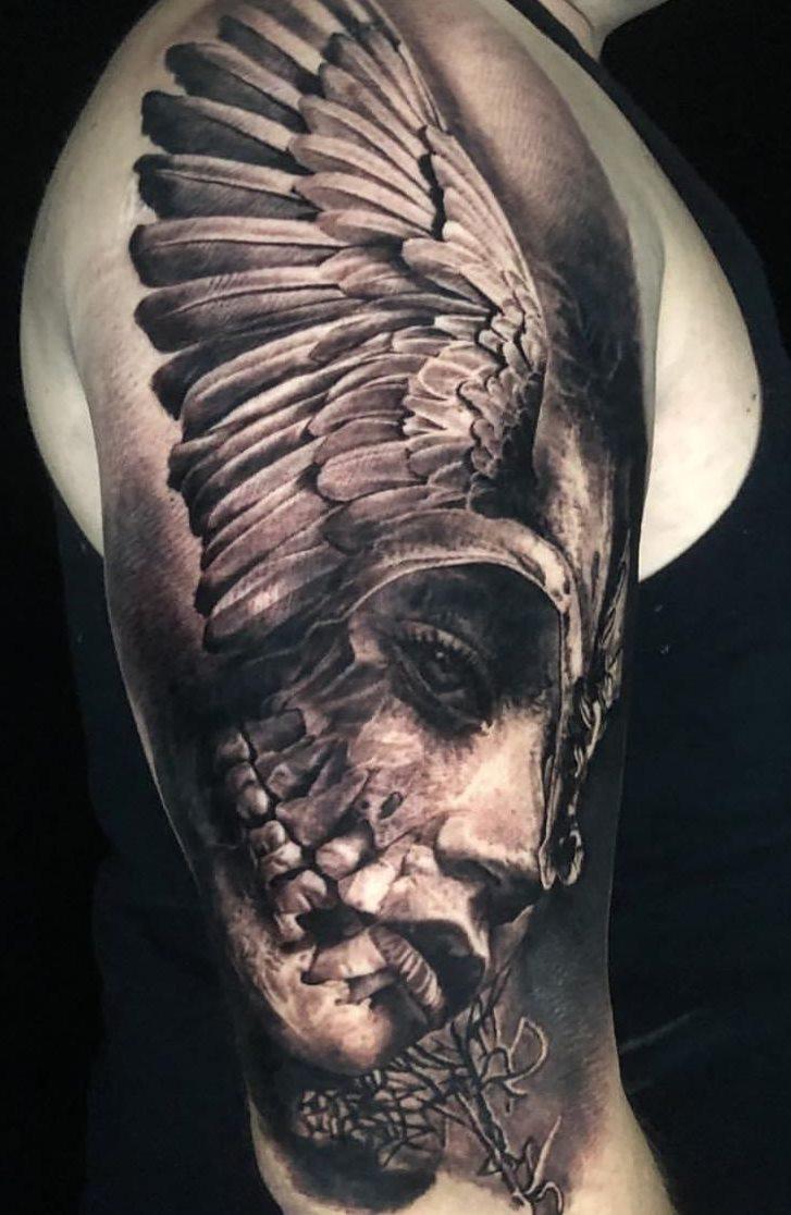 tatuagens-masculina-na-parte-superior-do-braço-2