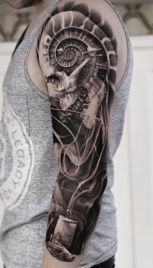tatuagens-masculina-na-parte-superior-do-braço-23