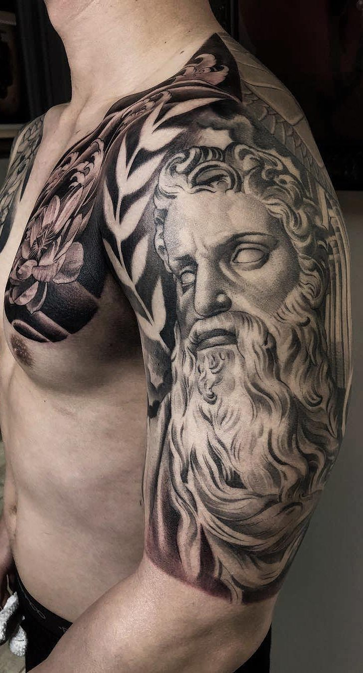 tatuagens-masculina-na-parte-superior-do-braço-32