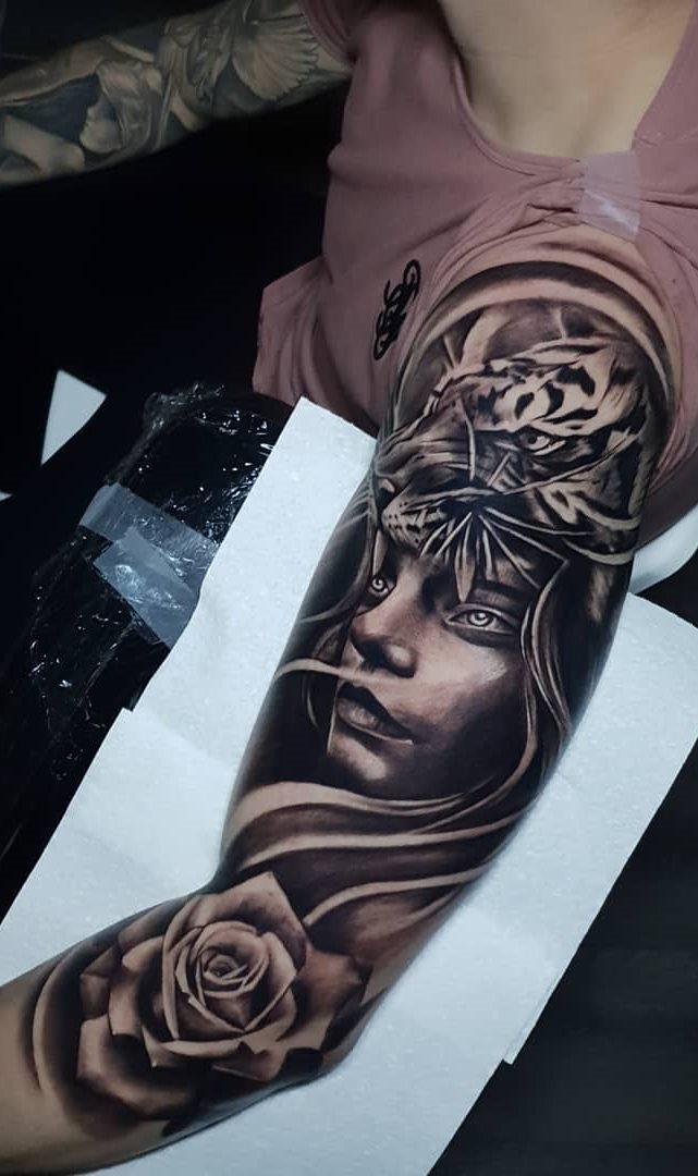 tatuagens-masculina-na-parte-superior-do-braço-4