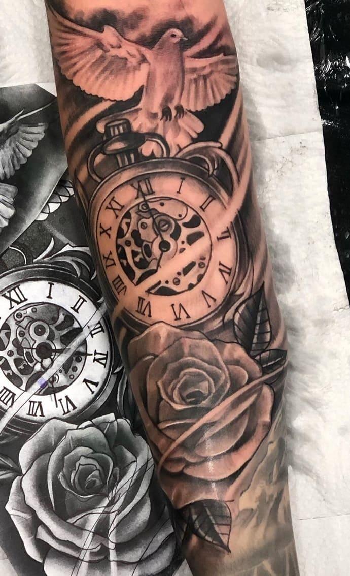 lindas-tatuagens-masculinas-no-antebraço-2