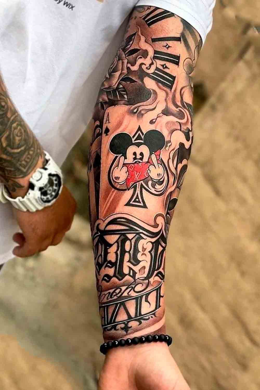 tatuagem-de-cartas-no-antebraco