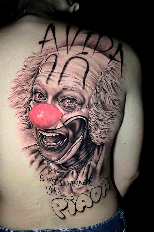 tatuagem-de-palhaco-nas-costas