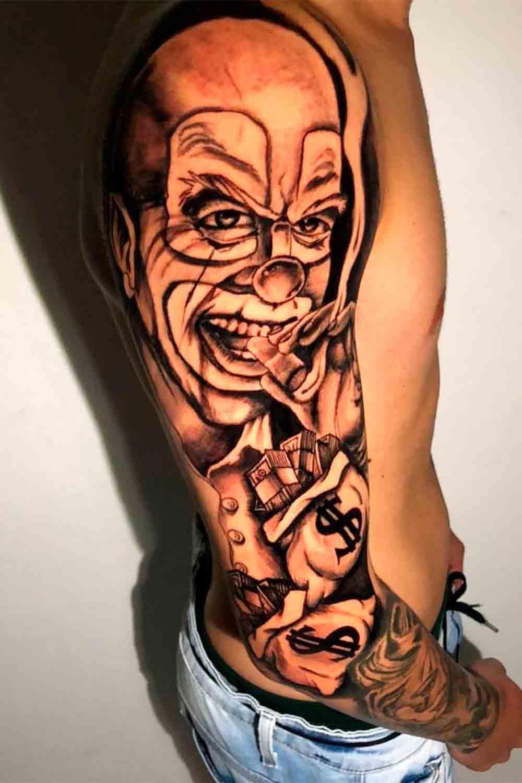 tatuagem-de-palhaco-no-ombro